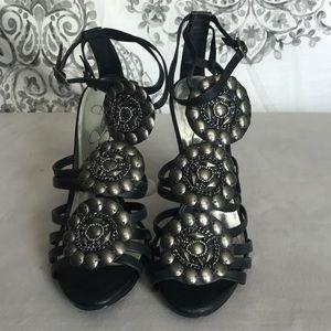 Black Jessica Simpson Hesse heels size 7.5